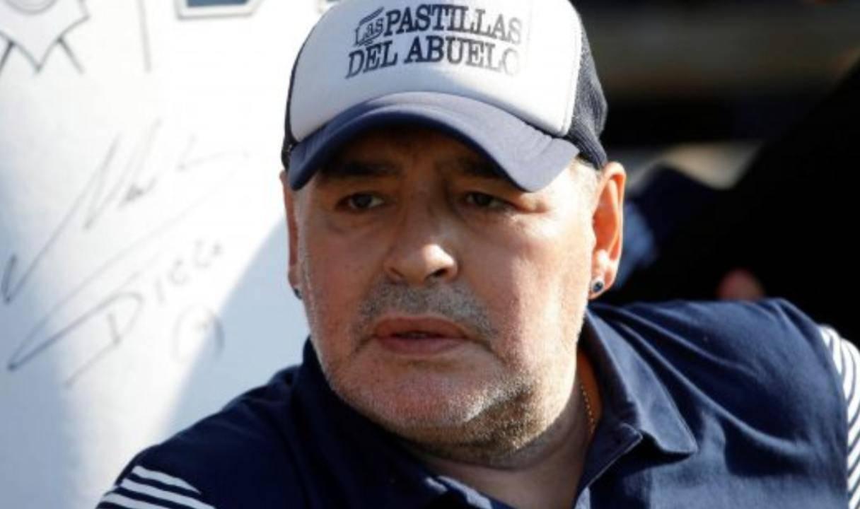 """""""E' morto Diego Armando Maradona"""", l'annuncio del Clarin: mondo col fiato sospeso"""