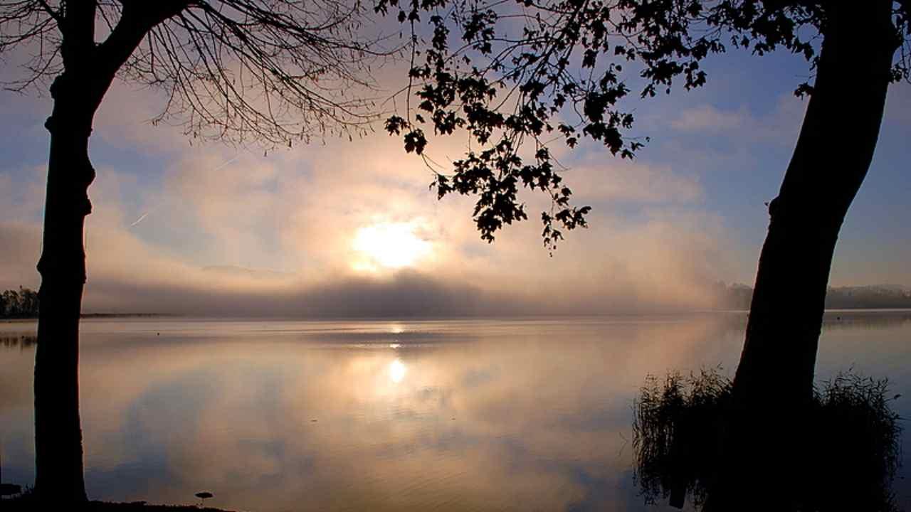 Meteo domani martedì 24 novembre: ritorna il sole, ma attenzione alle nuove insidie