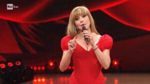 Milly Carlucci lo esclude dal Cantante Mascherato: il vip l'ha prende malissimo