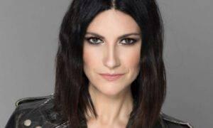 Laura Pausini facebook sbotta fan heaters