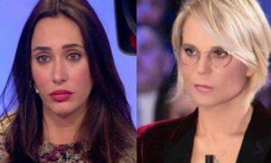 Gf Vip Maria De Filippi non saluta Sonia Lorenzini web scopre motivo