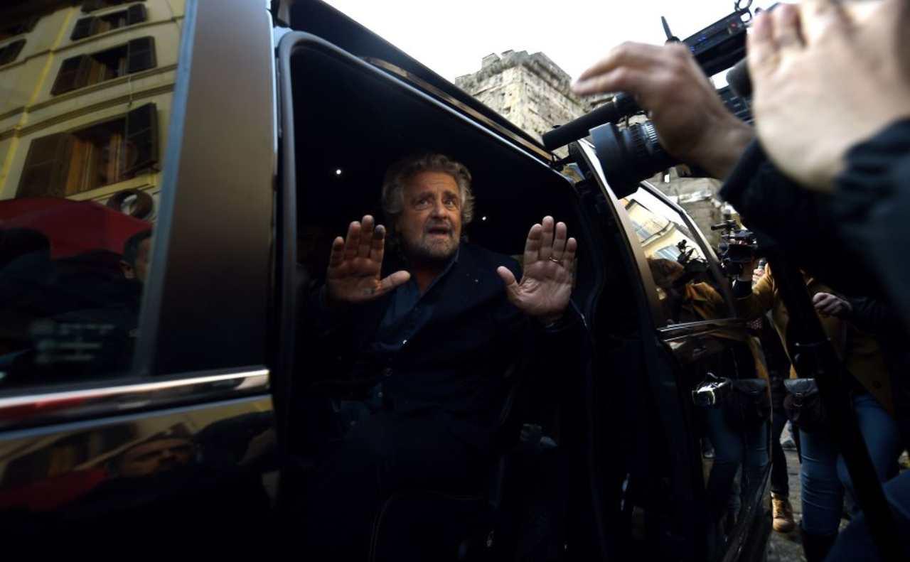 """Beppe Grillo, """"Mes strumento inadatto ed inutile"""""""