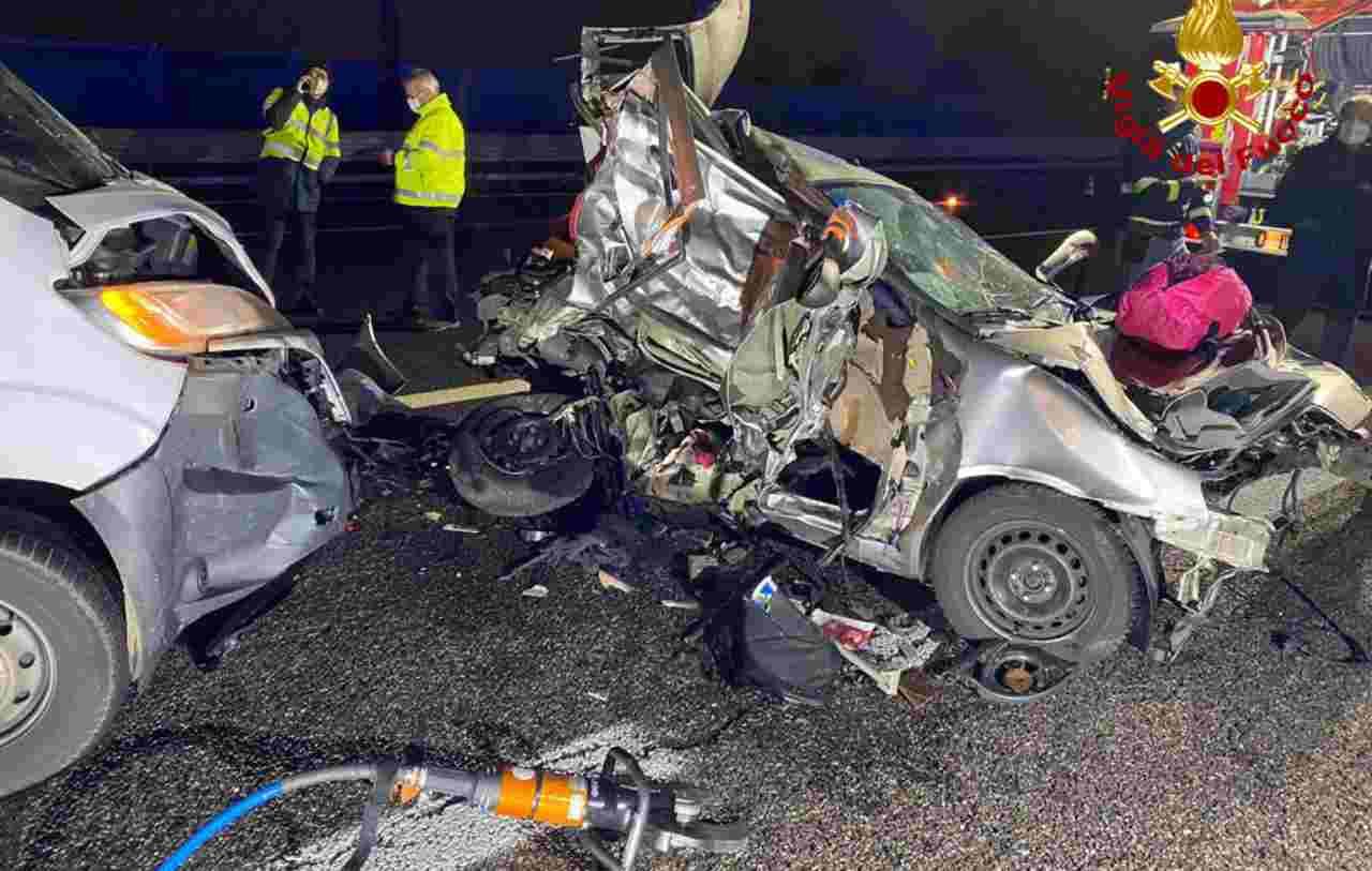 Marta muore a 27 anni sulla A4: in macchina con lei il suo cagnolino