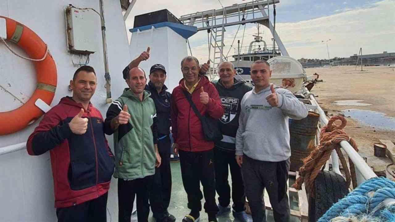"""I pescatori italiani attaccano i libici: """"Ci hanno picchiati"""""""