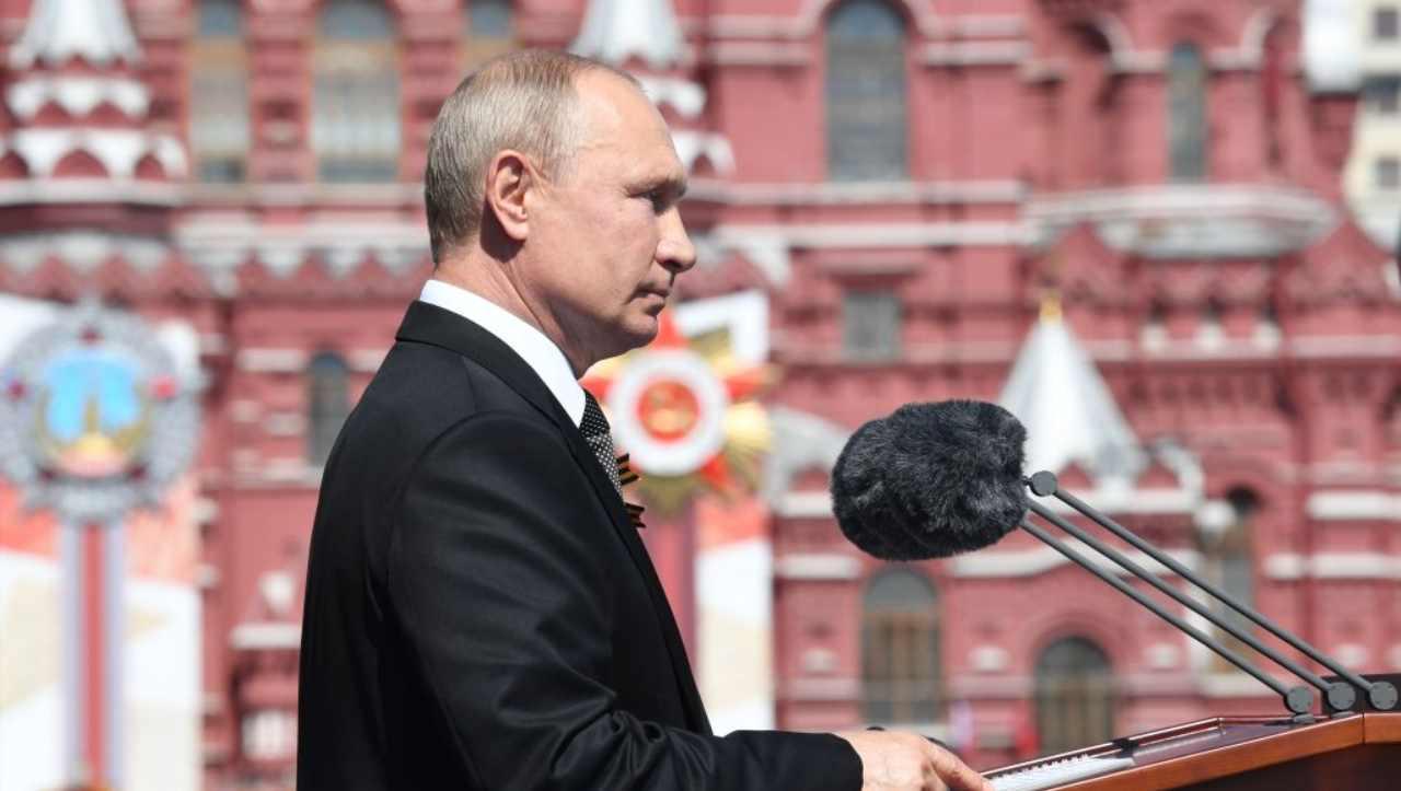 La telefonata di Putin ad Haftar per la liberazione dei pescatori italiani