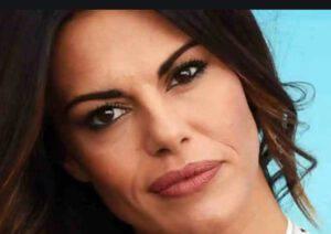 """Bianca Guaccero in diretta stupita da quanto viene detto: """"Mi dissocio"""""""