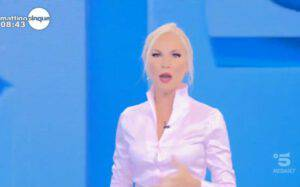 """Federica Panicucci si arrabbia con l'ospite in diretta: """"Non ce la facciamo più"""""""