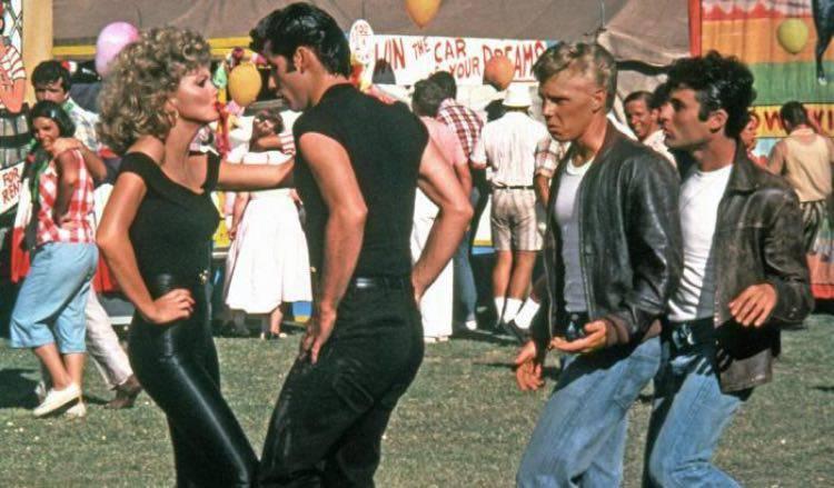 """""""Grease"""", attaccato sui social"""