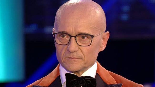 Alfonso Signorini arrabbiatissimo fa un annuncio che lascia senza parole