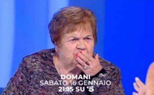 C'è Posta per Te: Rosalia perde la dentiera ed il video diventa virale