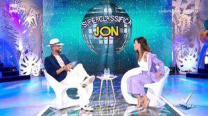 Bianca Guaccero in imbarazzo durante la diretta: Jonathan la combina grossa!