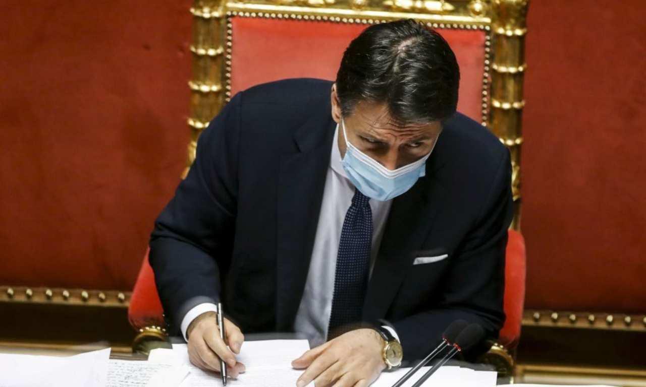 Conte: due Ministeri ai responsabili per rimanere al comando