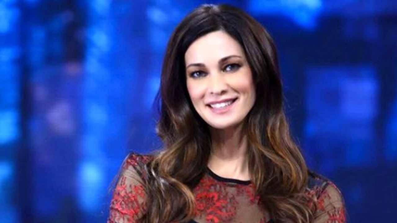 Manuela Arcuri sorprende i fan, grandi novità nella vita privata dell'attrice