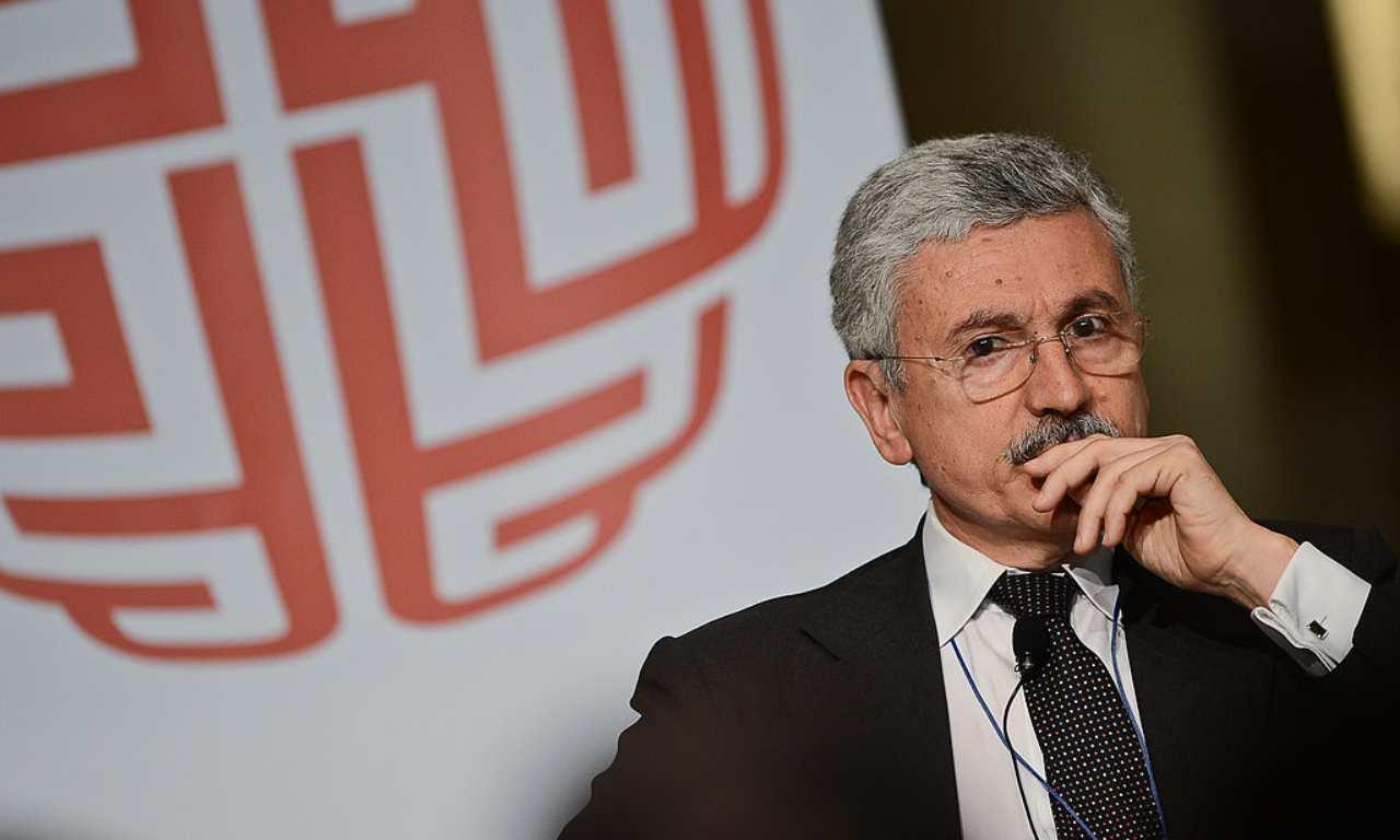 """D'Alema, la crisi rientrerà perché """"conviene a tutti"""""""