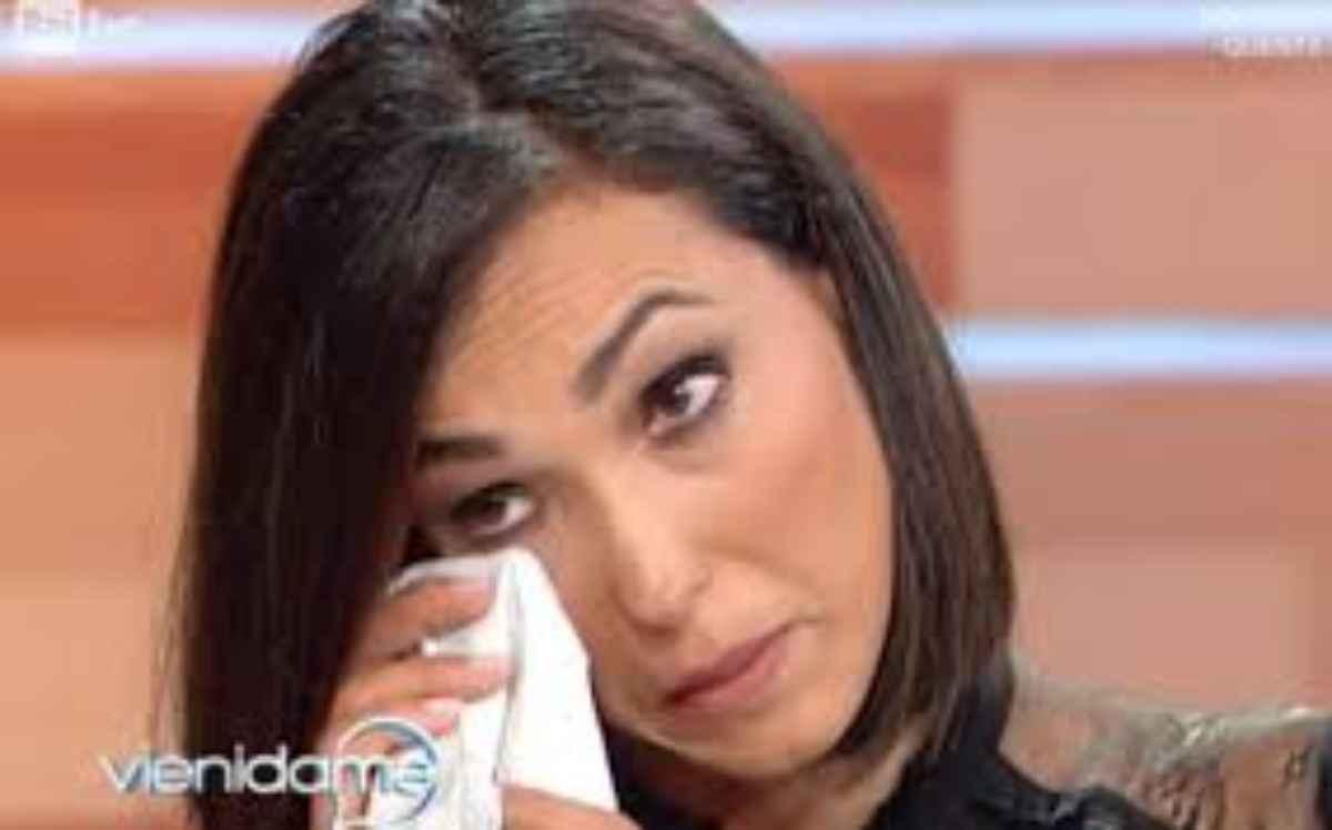 """Caterina Balivo in lacrime: """"Sono stati tanti.."""", cosa stà succedendo? La verità!"""