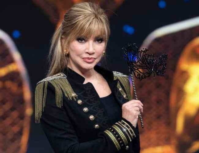 Il cantante mascherato: Milly Carlucci risponde alle accusa di flop in modo deciso