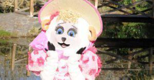 Il Cantante mascherato: dentro alla Pecorella c'è proprio la nota conduttrice
