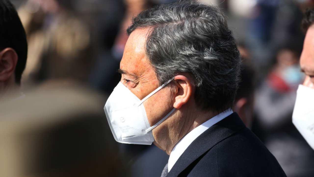 """""""Draghi andrebbe arrestato"""", diceva Carlo Sibilia del M5s. E ora entra nel Governo"""