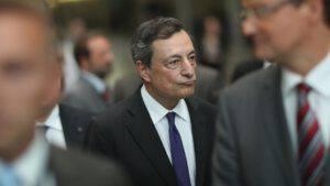 Esperti frenano Draghi su riapertura piscine e palestre