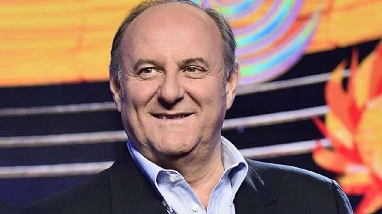 """Gerry Scotti non solo tv, ecco cosa fa il conduttore spente le luci: """"Piccola azienda…"""""""