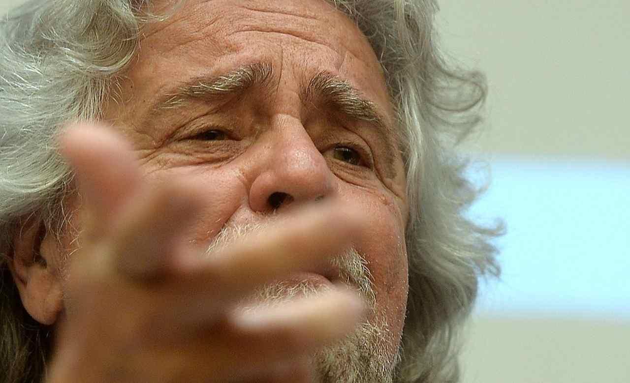"""""""Lega fuori dal Governo"""" ha detto Grillo a Draghi"""