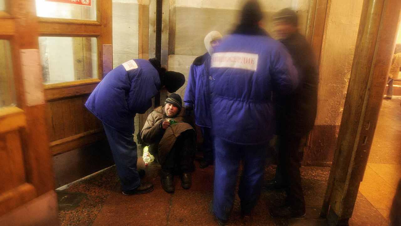 Torino, Mostafà è morto nel Dehors della caffetteria dove dormiva da 9 anni