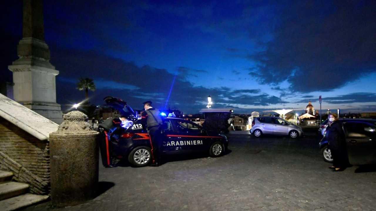 Quaregna: aggredisce i Carabinieri con un coltello, poi la sparatoria