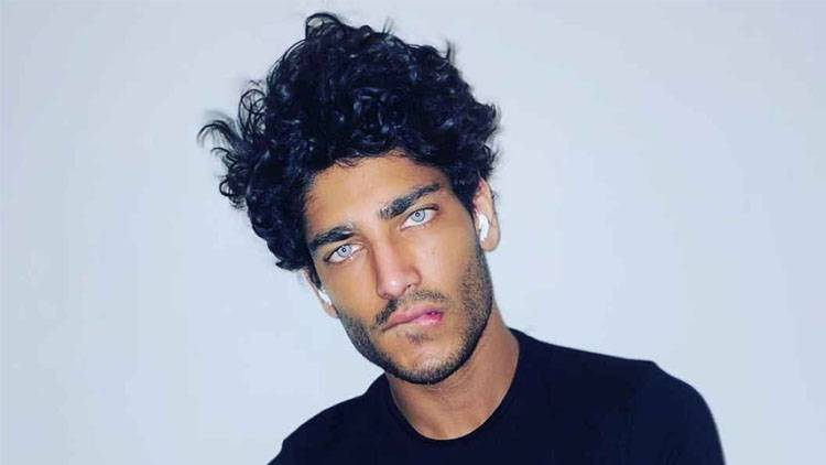 Akash Kumar occhi
