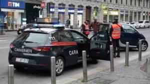 """Fare pipì sull'auto dei Carabinieri? """"Uno scherzo di cattivo gusto"""""""