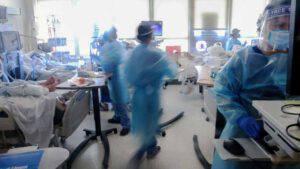 Lentezza nelle vaccinazioni e dati Covid in peggioramento