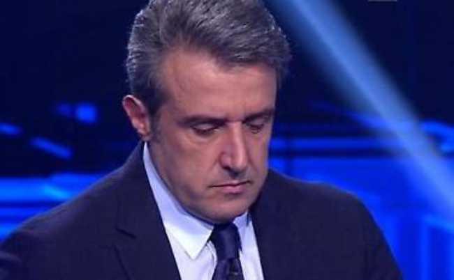 """Flavio Insinna dichiara e stupisce: """"E' molto grave"""""""