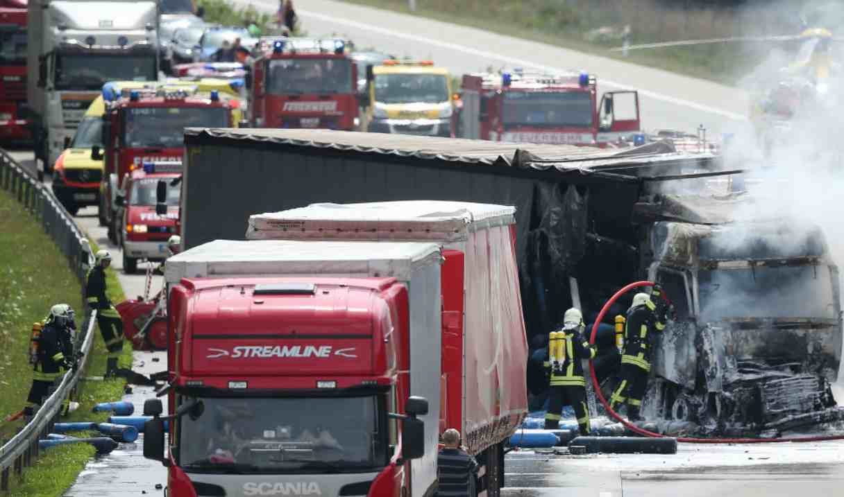 Tragico incidente stradale a Pieve San Giacomo, morti padre e figlia