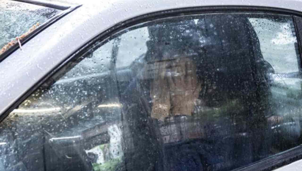 Roma, una donna chiusa in auto per cinque giorni e che sembra non ragionare più
