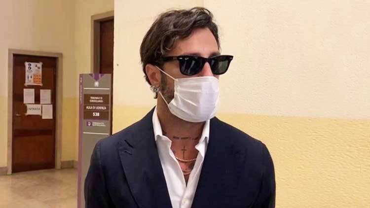 Fabrizio Corona mascherina