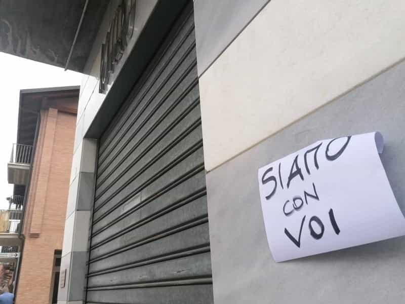 Cuneo, l'autopsia rivela come sono stati uccisi i due rapinatori. L'auto per la fuga aveva un finestrino rotto