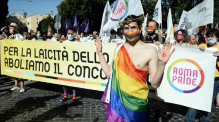 Cristo LGBT 27 giugno 2021 leggilo.org