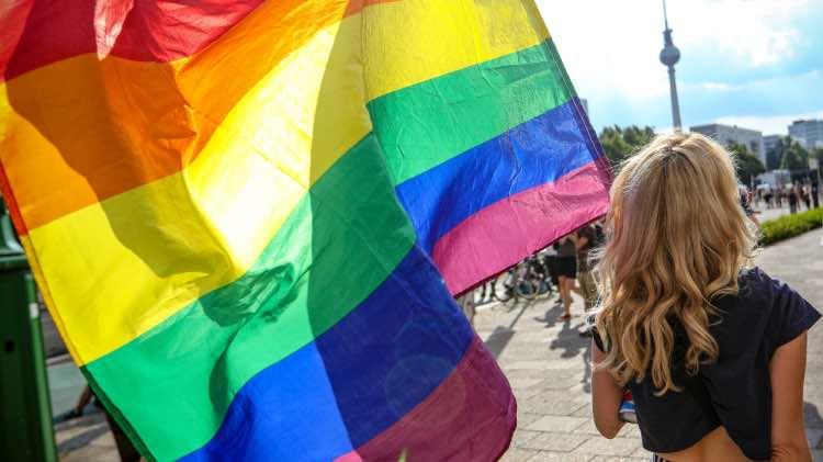 Ragazza omosessuale 21 luglio 2021