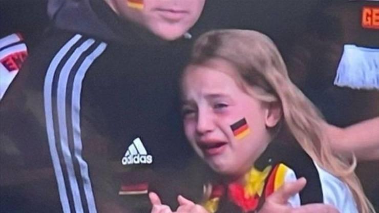 Tifosa Germania piange per partita persa