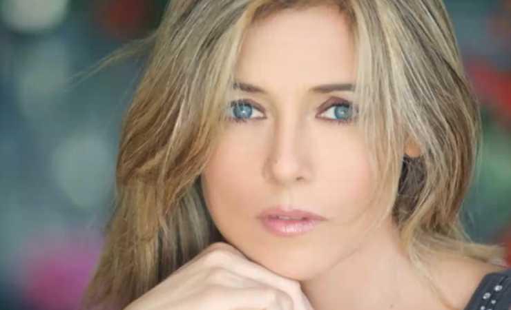 Elisabetta Ferracini oggi (YouTube)