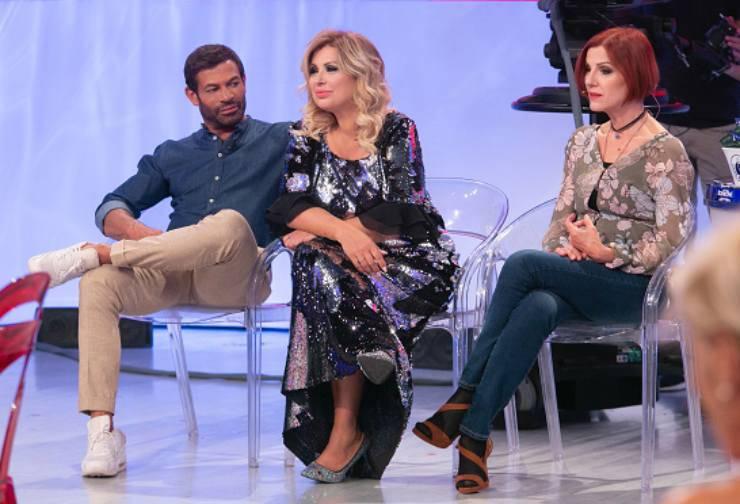 Gianni Sperti, Tina Cipollari e Tinì Cansino (TvZoom)