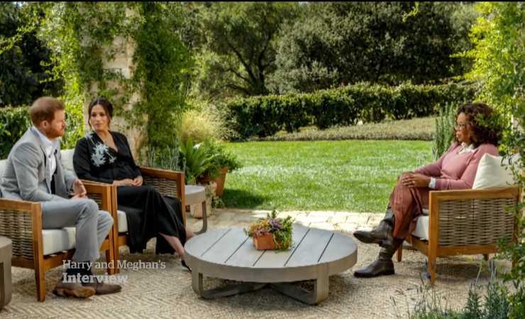 Harry e Meghan durante l'intervista con Oprah Winfrey