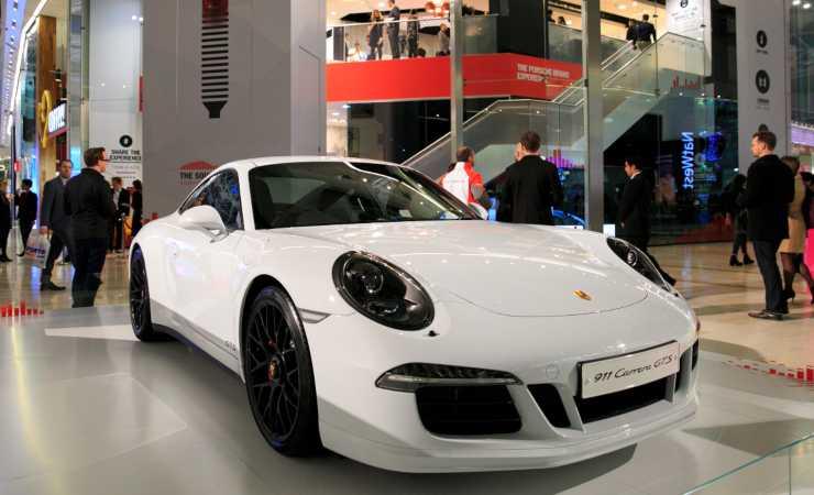 Porsche Carrera, lo stesso modello dell'auto di Gerry Scotti (Getty, John Phillips)