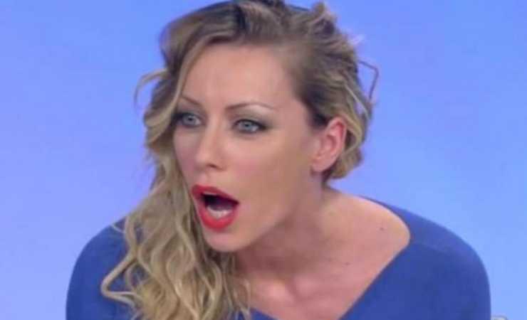 Karina Cascella incredula (Video)