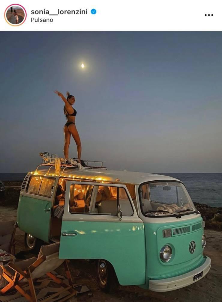 Sonia Lorenzini e il furgoncino Alberto
