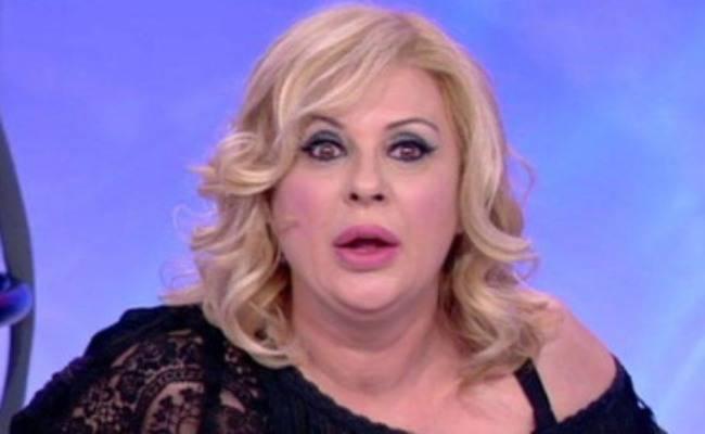 Tina Cipollari senza trucco: non immaginate com'è