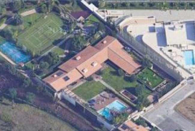 Francesco Totti e Ilary Blasi, avete mai visto dove vivono? Villa da sogno a Roma