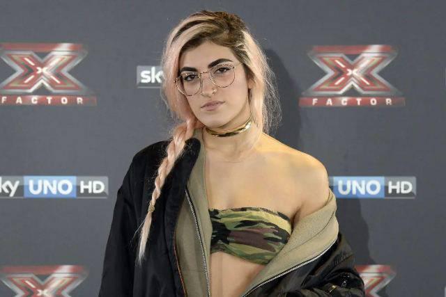 X Factor: ricordate Roshelle? Oggi ha stravolto la sua immagine, eccola