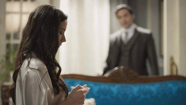 Una Vita: Ildefonso muore e l'addio di Camino è strappalacrime