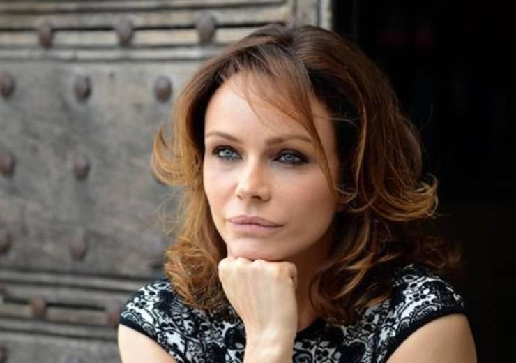 La bellissima Francesca Neri