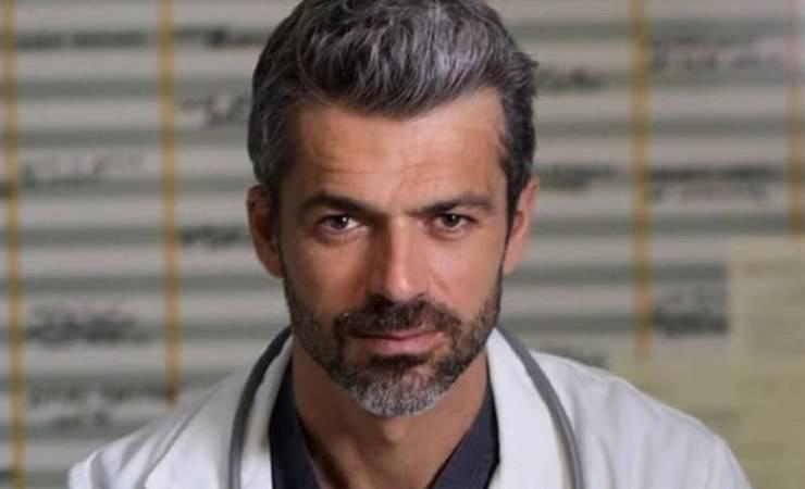 Luca Argentero nei panni del dottor (La Nostra tv)